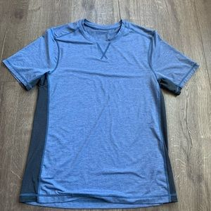 Lululemon Athletica workout shirt sz M